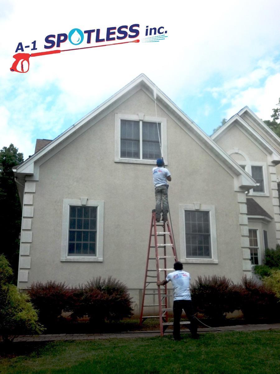 Wash Brick House Or Stucco Wall